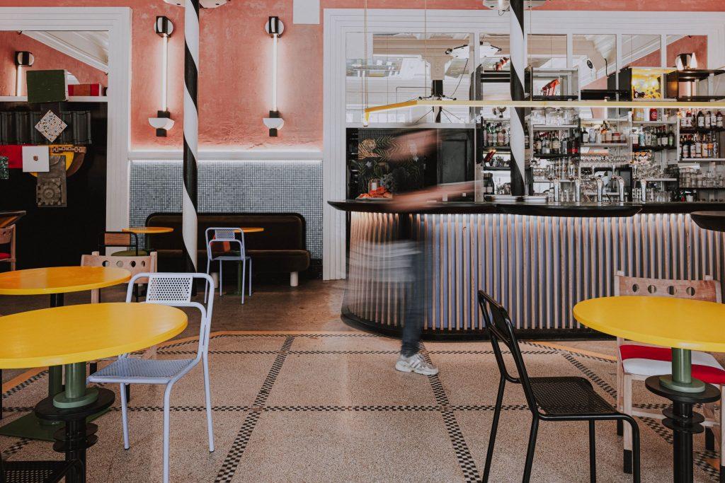 Café Flora, le nouveau bar tendance où se donner rendez-vous à Saint-Gilles - 1