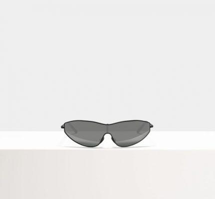 Tendance : les lunettes de cycliste s'imposent sur le nez des modeuses cet été 150*150