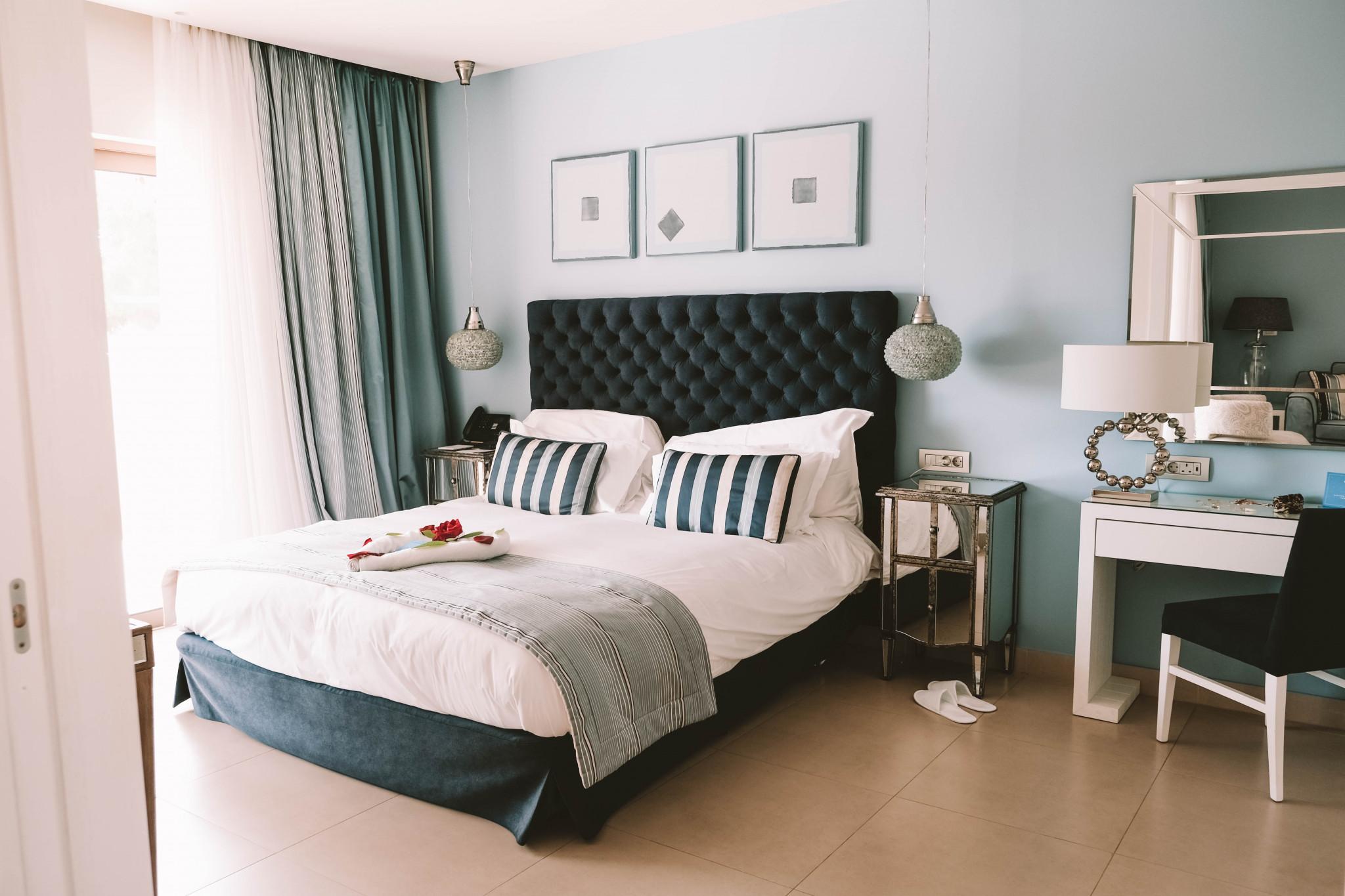 Grèce : Ikos Olivia, l'hôtel qui fait rimer all-in avec luxe sur-mesure - 1