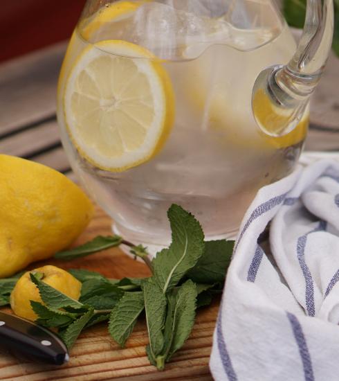 4 marques de boissons rafraichissantes et moins sucrées à boire tout l'été