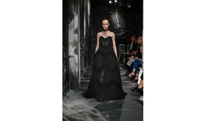 Christian Dior : retour en images sur le décor spectaculaire du défilé Automne/Hiver 150*150