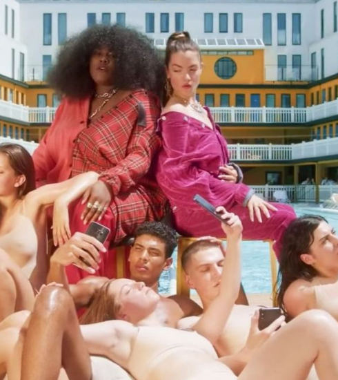 Sexitude et féminité dans le nouveau clip «Nudes» de Claire Laffut et Yseult