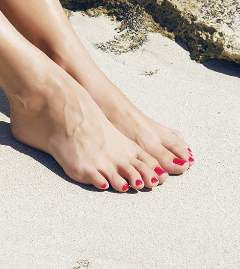 Pédicure : de jolis pieds pour l'été en huit étapes