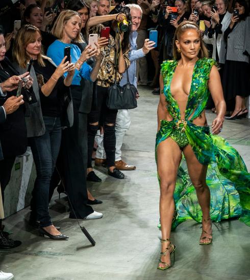 Milan Fashion Week : retour sur le défilé Versace qui a cassé internet