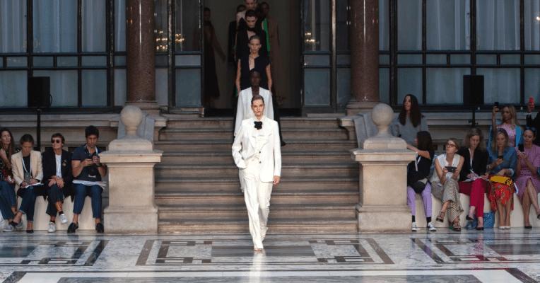 London Fashion Week : retour sur la collection Victoria Beckham printemps-été 2020