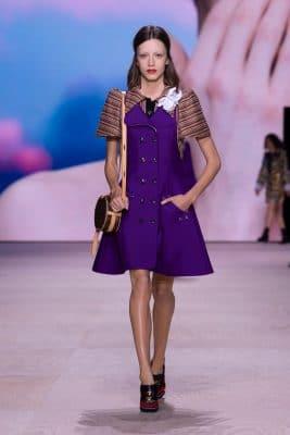 Paris Fashion Week : retour sur la collection, la scénographie et les célébrités du défilé Louis Vuitton printemps-été 2020 150*150