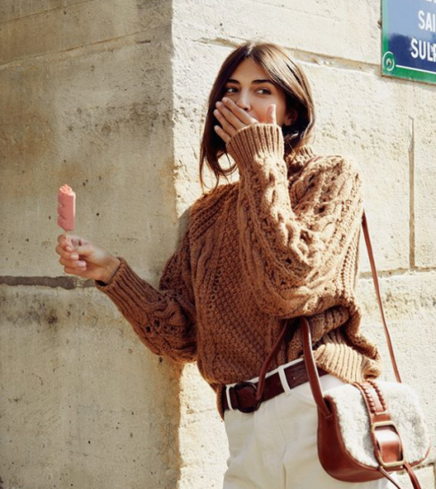 Sweater weather : comment porter le pull en maille (+ notre shopping cocooning)