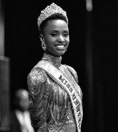 Miss Univers 2019 : la gagnante Zozibini Tunzi entre dans l'Histoire