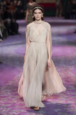 Fashion week de Paris : le féminisme a défilé chez Dior 150*150