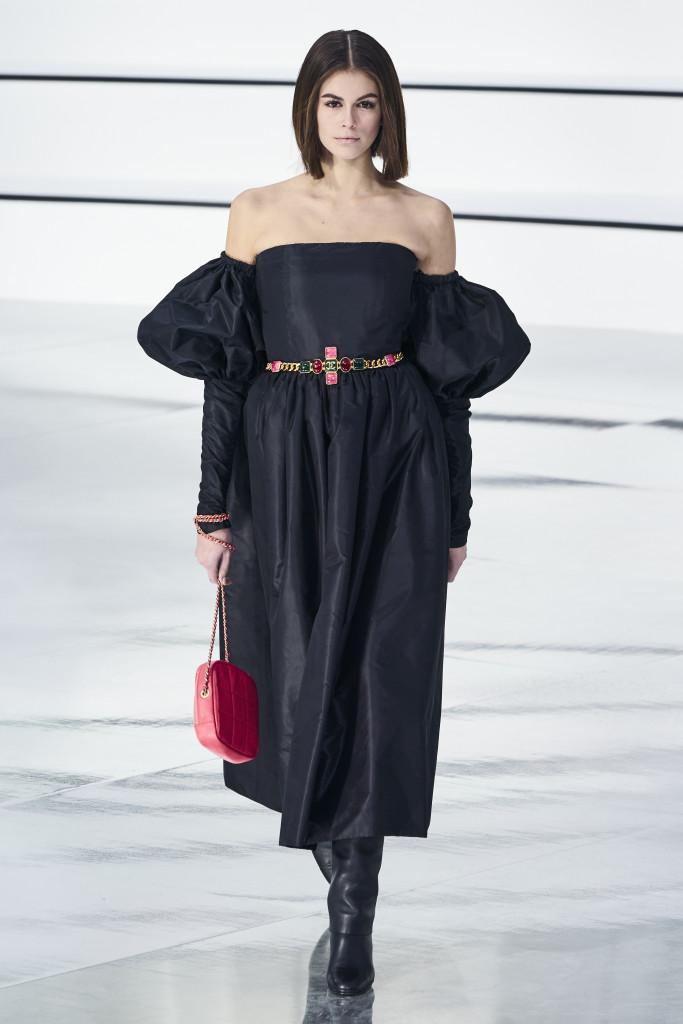 Paris Fashion Week : retour sur la collection automne/hiver de Chanel, une ode à la sororité - 77