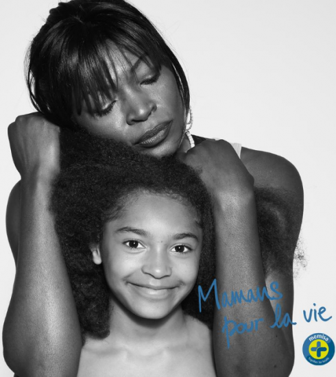 «Mamans pour la vie» : une séance photos solidaire pour célébrer la maternité