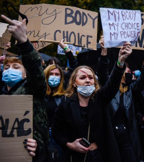 Ce qu'il faut savoir de la situation en Pologne où l'avortement devient quasiment interdit