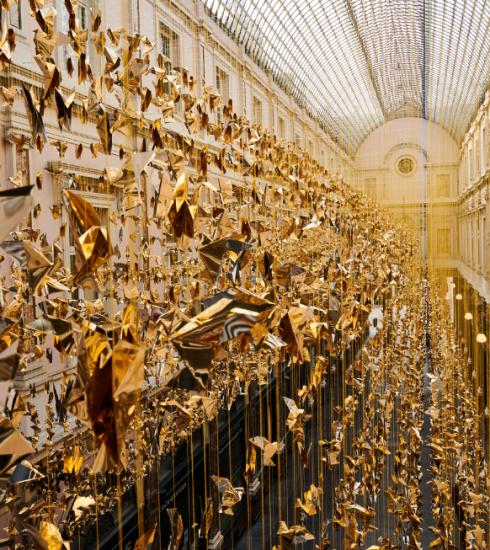 Le centre de Bruxelles scintille d'origamis pour les fêtes de fin d'année