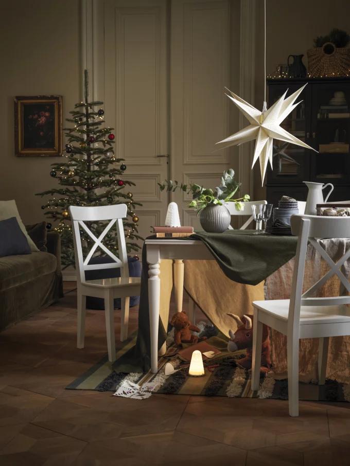 Table de Noël : 10 inspirations pour succomber au charme du décor suspendu - 4