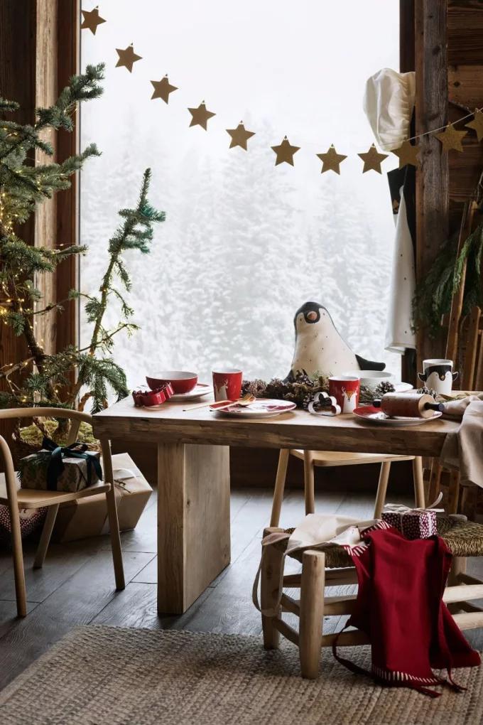 Table de Noël : 10 inspirations pour succomber au charme du décor suspendu - 9