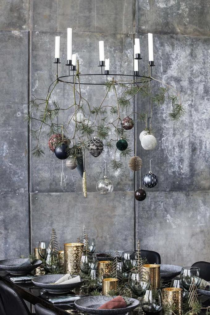 Table de Noël : 10 inspirations pour succomber au charme du décor suspendu - 8