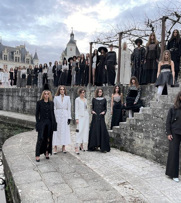 Défilé Chanel : la Collection Métiers d'art 2020/2021 prend place dans « Le Château des Dames »