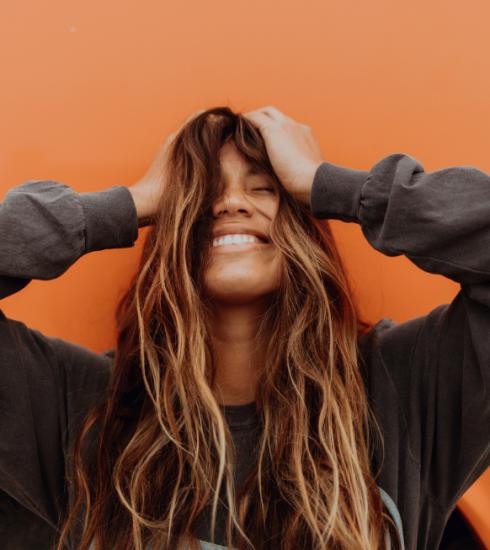 7 conseils pour lutter contre la perte de cheveux (+ notre sélection shopping)