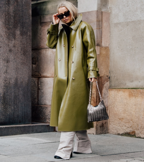 Inspiration & shopping : comment porter le trench en (simili-)cuir sans ressembler à Neo dans Matrix