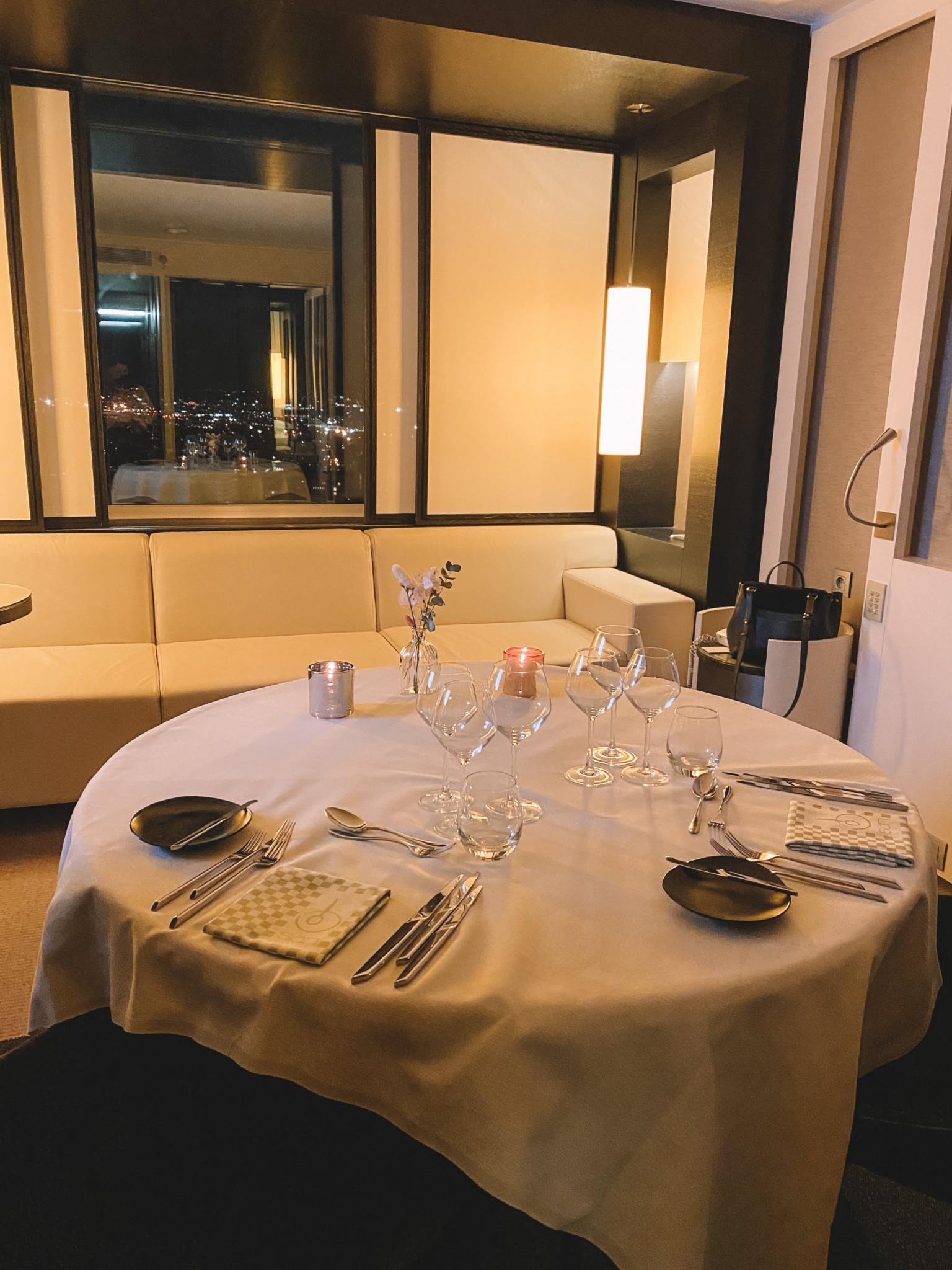 Testé pour vous : Side by Sight, staycation et dîner dans les nuages à The Hotel - 1