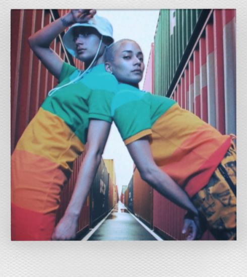 Editor's Pick : la collection arc-en-ciel Lacoste x Polaroid donne le ton pour l'été 2021