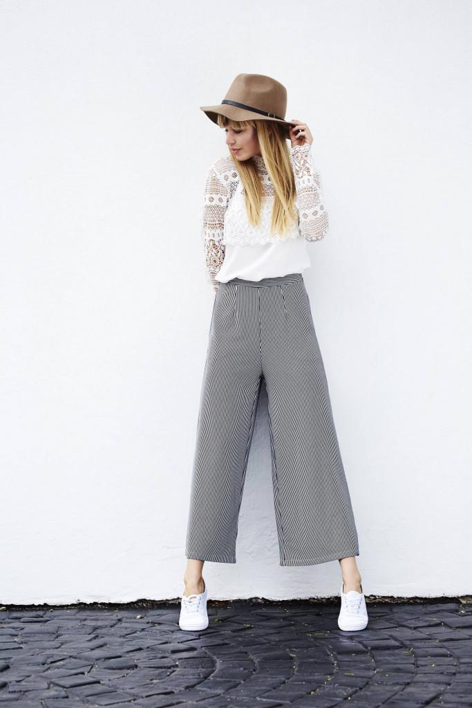 Le pantalon taille haute est-il toujours à la mode ? - 1