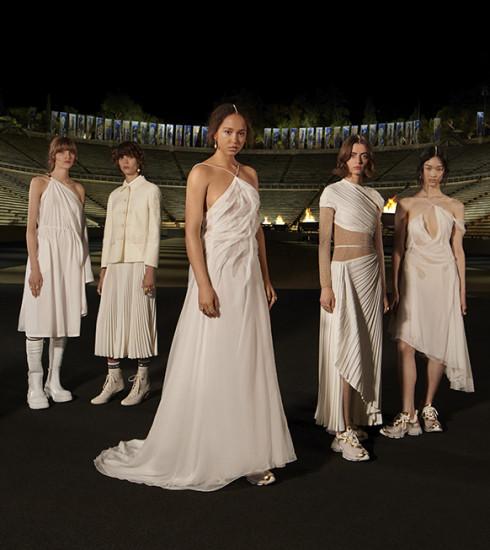 Dior réinterprète la déesse grecque pour son défilé Croisière 2022 à Athènes