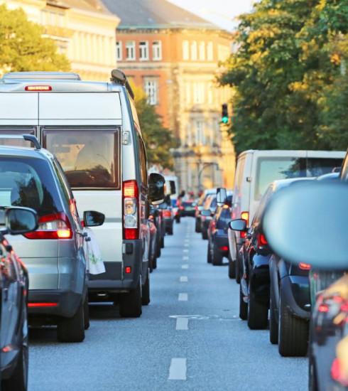 Vignettes anti-pollution : les anciennes voitures sur le banc de touche ?