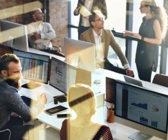 Open plan, open stress? Privacy op kantoor blijkt belangrijker dan gedacht.