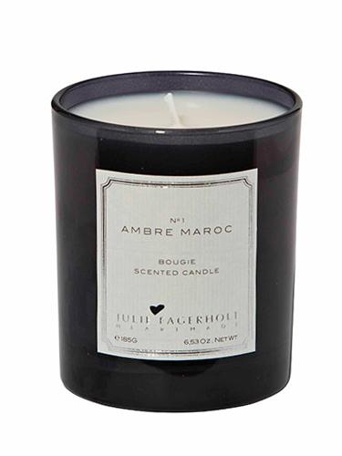 Ambre Maroc is een volle, kruidige geur met (what's in a name) amber, vanille, patchoeli, roos, kaneel en jasmijn. Pruim, bergamot en roze peper maken de geur compleet.
