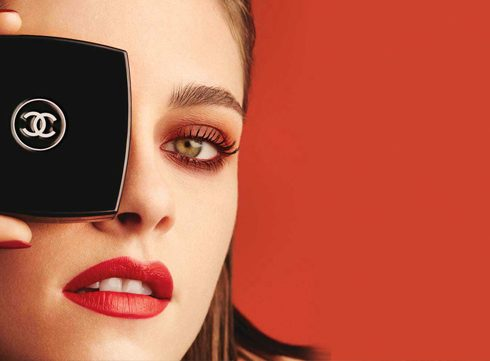 How to: rode smokey eyes met Chanel en Kristen Stewart