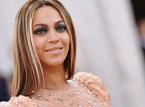 Beyoncé zwanger van tweeling, internet wordt gek