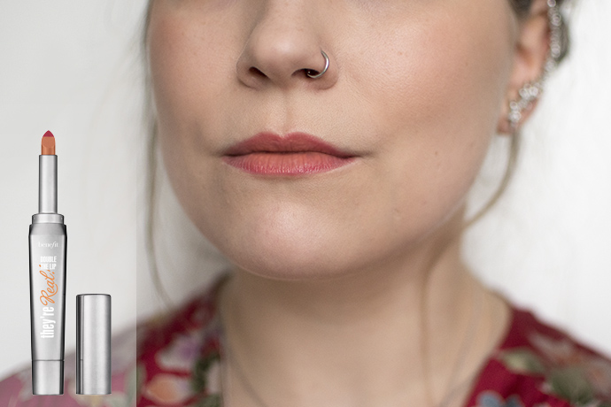 Ombré Lippen met Benefit's They're Real! Double the Lip lipstick in Criminally Coral