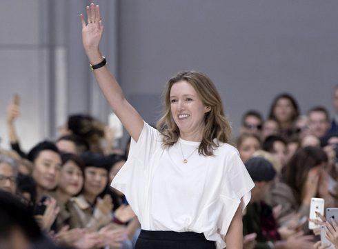 Clare Waight Keller is eerste vrouw aan het hoofd van Givenchy