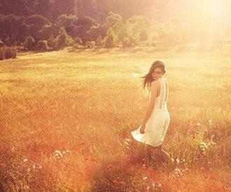 9 zomerse parfums en de jurken die er perfect bij passen