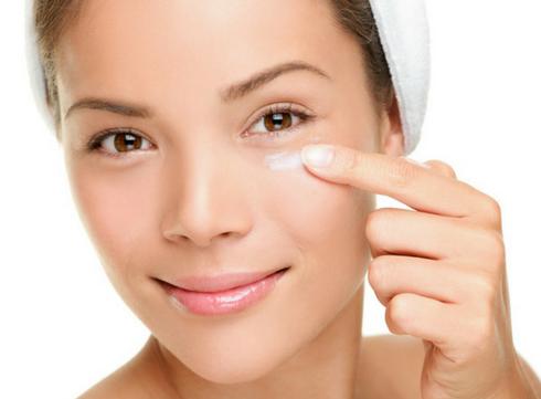 Vijf snelle tips tegen donkere kringen en wallen