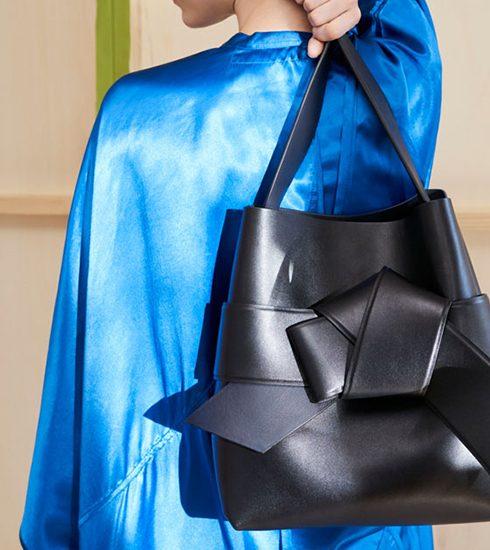 PREVIEW: De exclusieve handtassen van Acne Studios & mytheresa.com