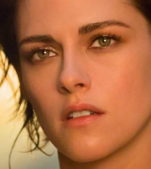 Naakte Kristen Stewart schittert in nieuwe Chanel campagne