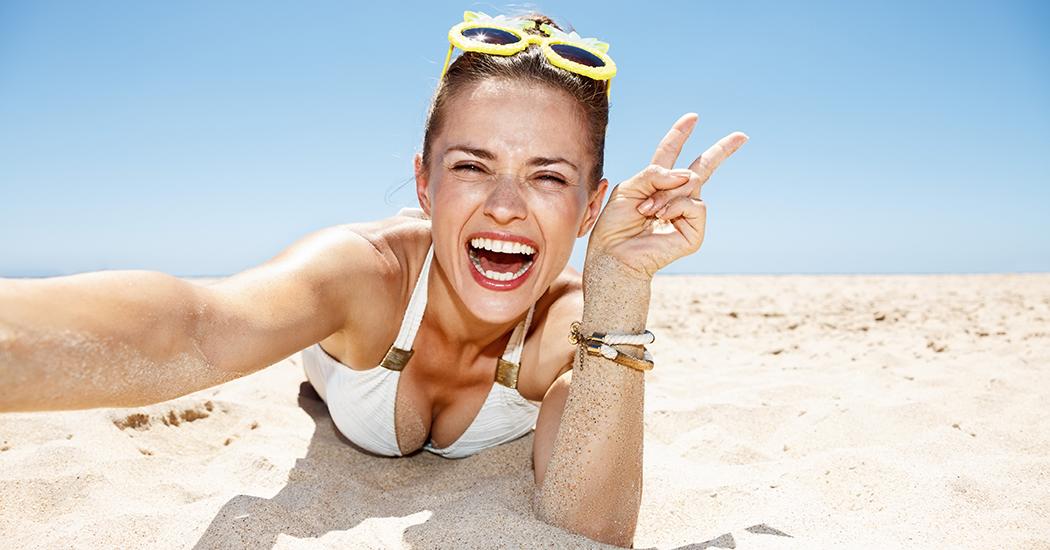 Nemen we onszelf niet iets te serieus? Meer dan 1 op 10 vakantiekiekjes zijn selfies