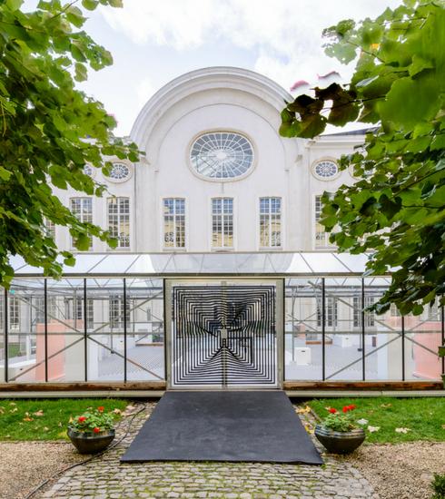 Weekendtip: Café Tobor in de winterserre van Design Museum Gent