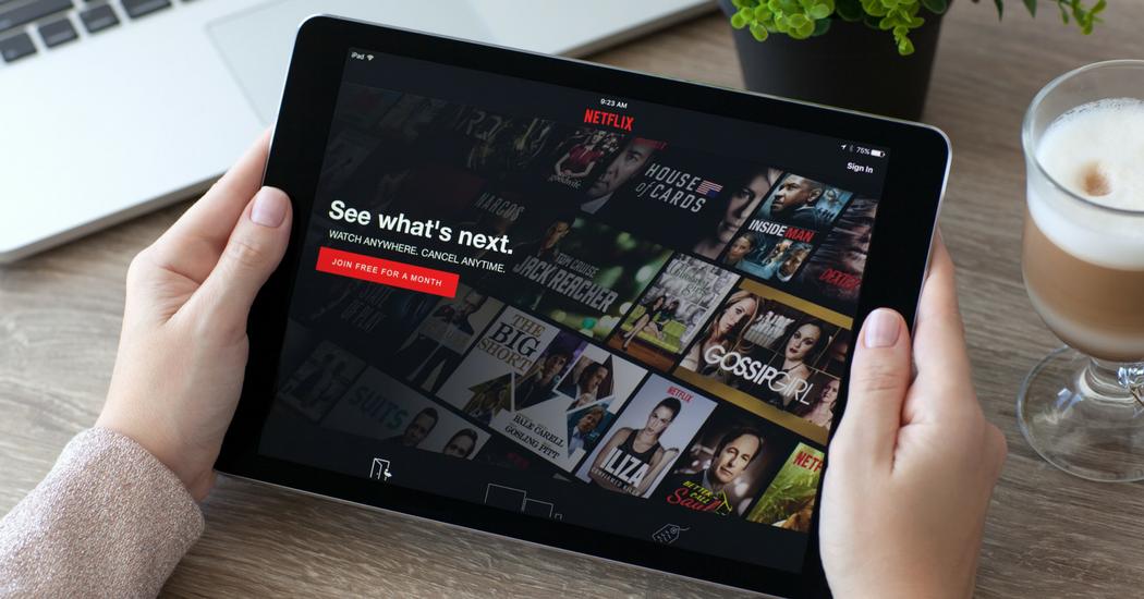 Van boek tot doek: 10 verfilmde boeken die je nu op Netflix kan bekijken
