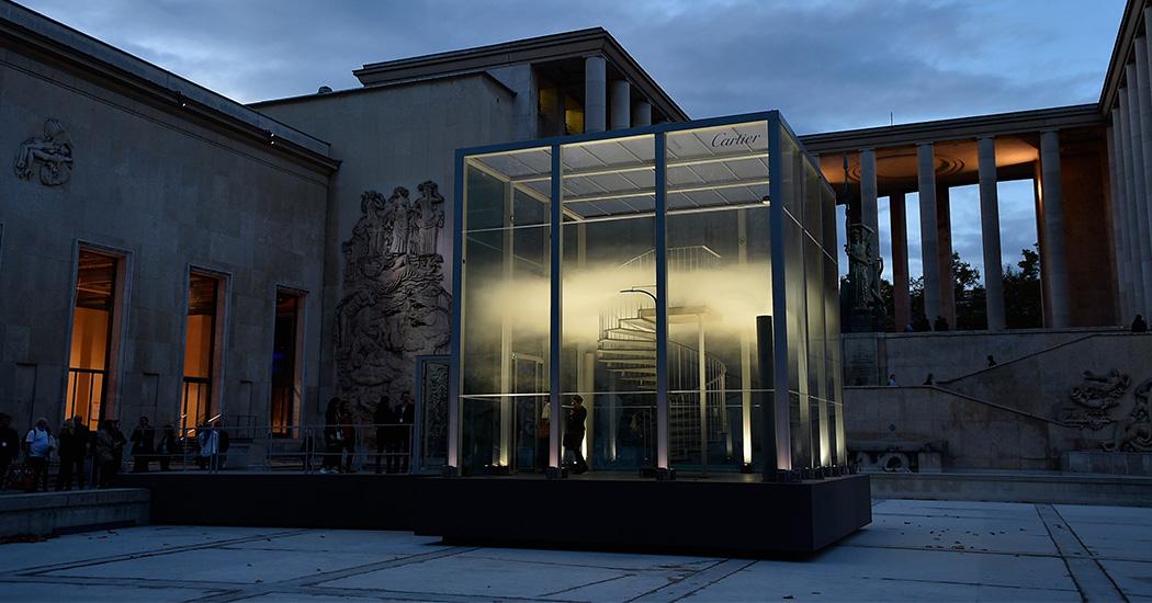 Cartier plaatst geurkunstwerk aan Palais de Tokyo in Parijs