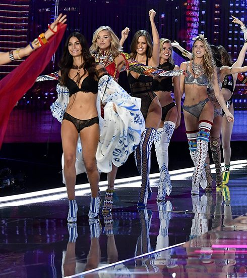 De 15 mooiste looks van de Victoria's Secret fashion show