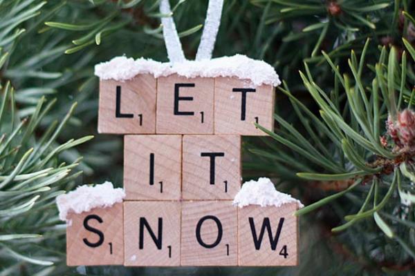 Diy: 15 kerstdecoratie ideeën om je tafel vensterbank of boom op te