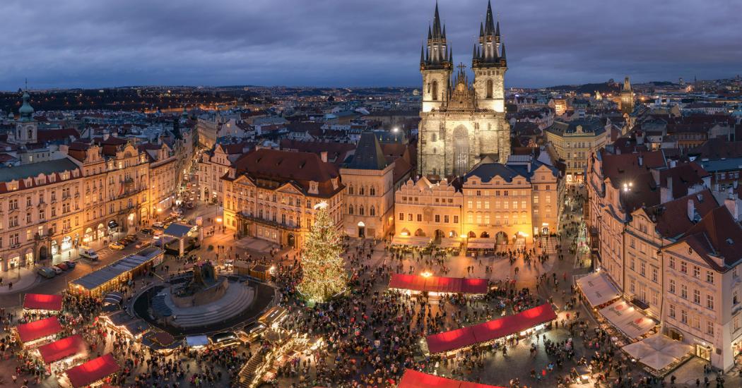 Dit zijn de 7 leukste kerstmarkten in het buitenland waar je met de trein naartoe kan