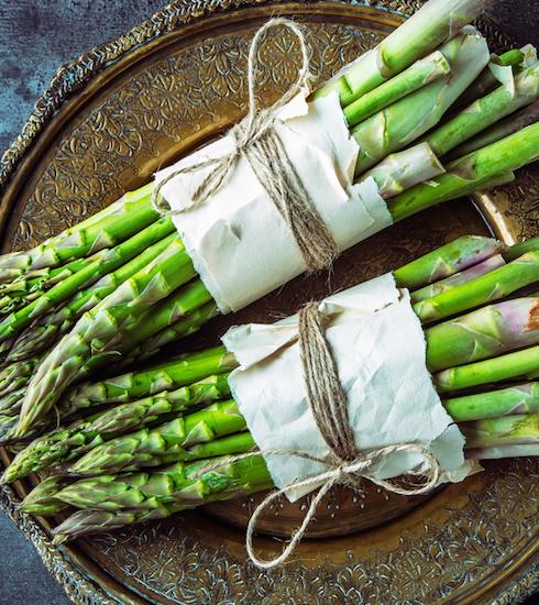 3 redenen om dringend groene asperges op het menu te zetten (+ recept)
