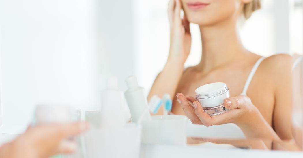 Nachtcrème versus dagcrème: heeft je huid 's nachts echt een andere verzorging nodig dan overdag?