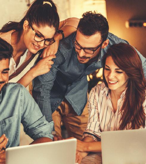 Onderzoek: waarom vriendschap op de werkvloer zo belangrijk is