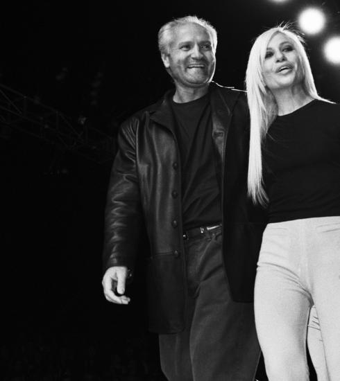 Zo reageert het internet op Michael Kors' overname van Versace