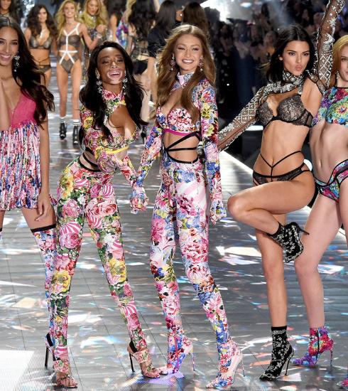 De 4 meest opvallende momenten van het Victoria's Secret defilé 2018